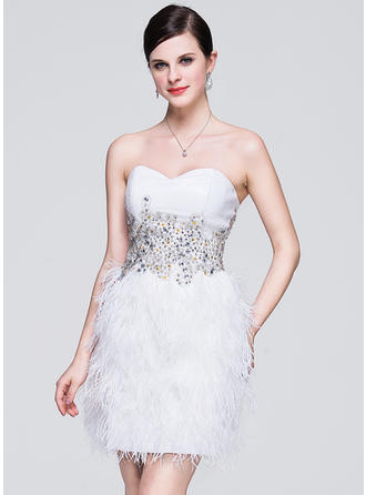 A-Line/Princess Sweetheart Short/Mini Sequined Feather Homecoming Dresses With Lace Beading