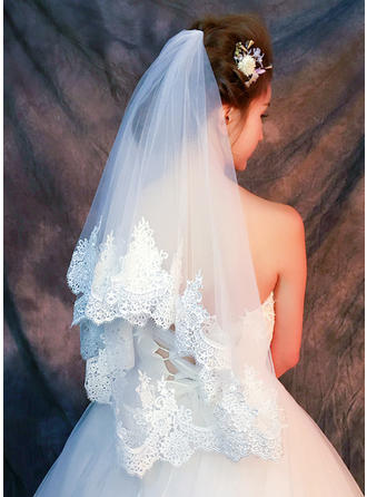Fingertip Bridal Veils Tulle/Lace One-tier Classic With Lace Applique Edge Wedding Veils