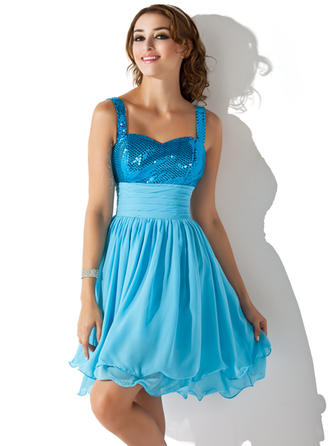 Sexy Chiffon Sequined Homecoming Dresses A-Line/Princess Knee-Length Sweetheart Sleeveless