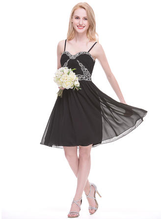 Chiffon Sleeveless A-Line/Princess Bridesmaid Dresses Sweetheart Ruffle Beading Appliques Lace Sequins Knee-Length