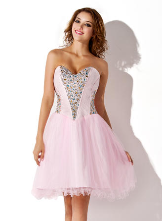 A-Line/Princess Sweetheart Knee-Length Tulle Homecoming Dresses With Beading Sequins