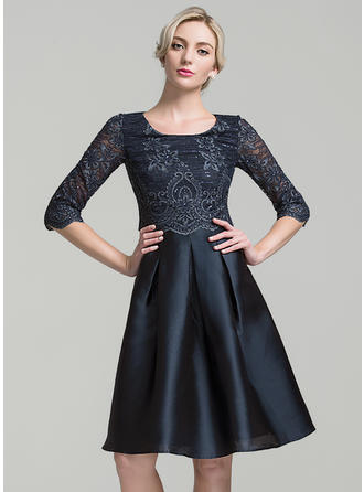 A-Line/Princess Satin 1/2 Sleeves Scoop Neck Knee-Length Zipper Up Mother of the Bride Dresses