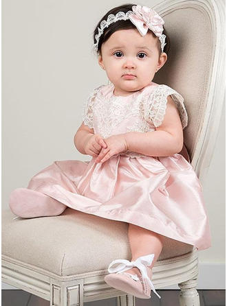 Satin Tulle Scoop Neck Baby Girl's Christening Gowns With Short Sleeves