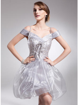 A-Line/Princess Off-the-Shoulder Short/Mini Organza Homecoming Dresses With Ruffle Beading Sequins