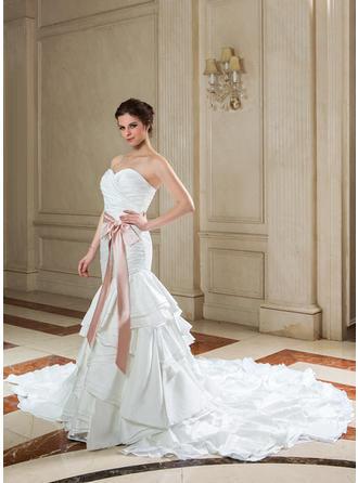 200 years of wedding dresses exhibition