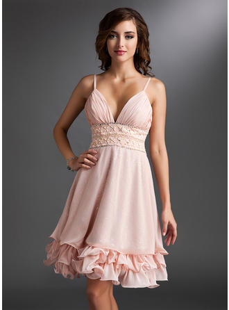 A-Line/Princess Knee-Length Chiffon V-neck Homecoming Dresses