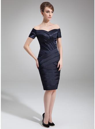 Etui-Linie Off-the-Schulter Charmeuse Kurze Ärmel Knielang Kleider für die Brautmutter (008211216)