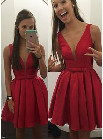 Simple Satin Homecoming Dresses A-Line/Princess Short/Mini V-neck Sleeveless