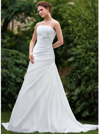 A-Line/Princess Court Train Wedding Dress With Ruffle Bow(s)