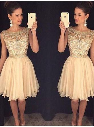 A-Line/Princess Scoop Neck Knee-Length Tulle Cocktail Dress With Beading Sequins (016145352)