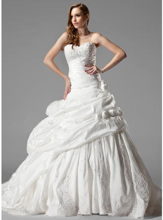 Ball-Gown Chapel Train Wedding Dress With Ruffle Lace Flower(s)