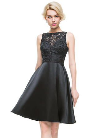 A-Line/Princess Scoop Neck Knee-Length Charmeuse Homecoming Dresses