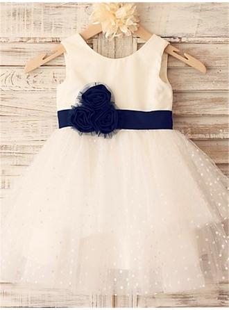 A-Line/Princess Scoop Neck Knee-length With Flower(s) Tulle Flower Girl Dresses