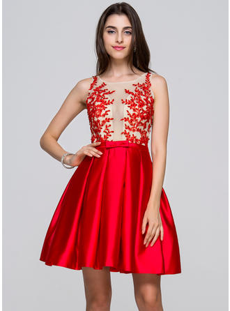 A-Line/Princess Scoop Neck Short/Mini Satin Homecoming Dresses With Beading Appliques Lace Sequins Bow(s)