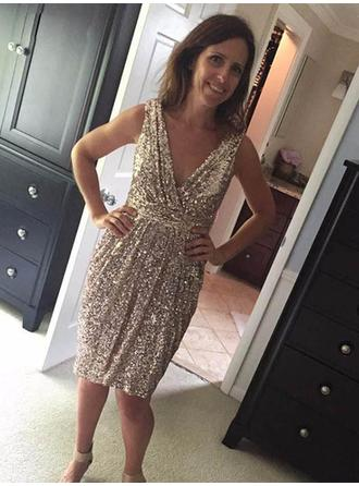 A-Line/Princess V-neck Sequined Simple Mother of the Bride Dresses