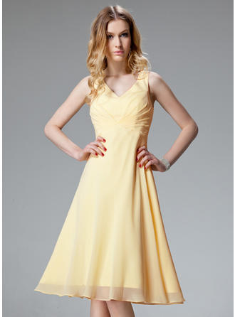 Chic Chiffon Sleeveless V-neck Ruffle Homecoming Dresses