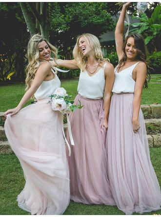 A-Line/Princess V-neck Floor-Length Chiffon Tulle Bridesmaid Dress