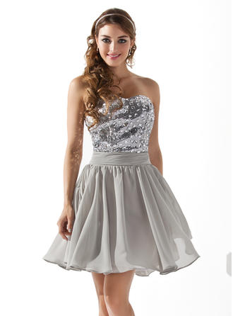 A-Line/Princess Sweetheart Short/Mini Chiffon Sequined Homecoming Dresses With Beading