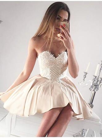 A-Line/Princess Sweetheart Satin Sleeveless Short/Mini Ruffle Appliques Lace Homecoming Dresses