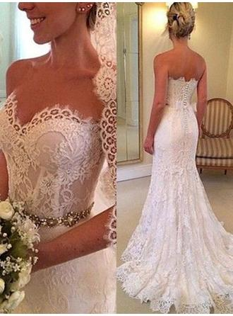 Sweetheart Sheath/Column Wedding Dresses Lace Beading Sleeveless Sweep Train