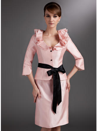 Sheath/Column Taffeta 3/4 Sleeves V-neck Knee-Length Zipper Up Mother of the Bride Dresses