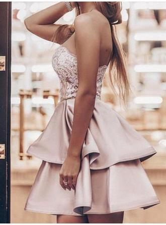 A-Line/Princess Short/Mini Satin Strapless Homecoming Dresses