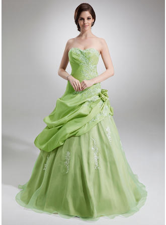 Ball-Gown Sweetheart Floor-Length Organza Prom Dress With Ruffle Appliques Lace Flower(s)