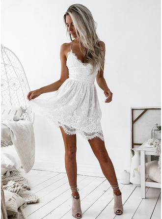 A-Line/Princess Lace Cocktail Dresses Ruffle V-neck Sleeveless Short/Mini