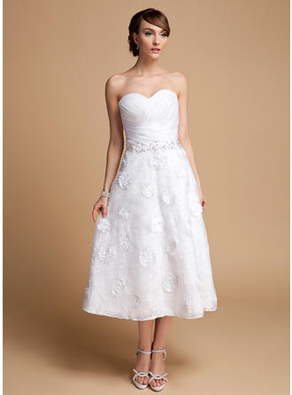 Flattering Tea-Length A-Line/Princess Wedding Dresses Sweetheart Organza Lace Sleeveless