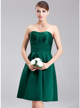 Bridesmaid Dresses Sweetheart Satin A-Line/Princess Sleeveless Knee-Length