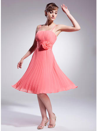 A-Line/Princess Knee-Length Chiffon Cocktail Dress With Flower(s) Pleated