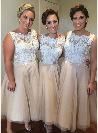 A-Line/Princess Knee-Length Tulle Scoop Neck Bridesmaid Dresses