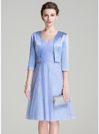 A-Linie/Princess-Linie U-Ausschnitt Tüll Kurze Ärmel Knielang Rüschen Perlstickerei Pailletten Kleider für die Brautmutter