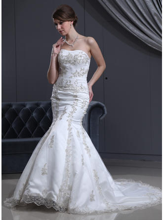 Trumpet/Mermaid Court Train Wedding Dress With Beading Appliques Lace