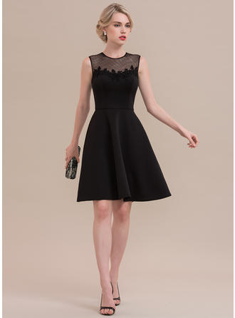 A-Line/Princess Scoop Neck Knee-Length Jersey Homecoming Dresses With Lace