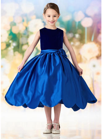A-Line/Princess Scoop Neck Tea-length Satin Sleeveless Flower Girl Dresses (010216425)