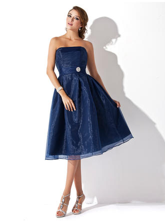 Organza Sleeveless A-Line/Princess Bridesmaid Dresses Strapless Ruffle Crystal Brooch Knee-Length