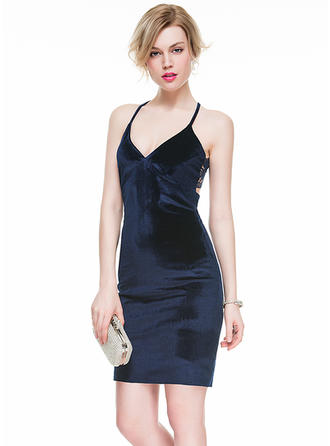 Lace Sheath/Column General V-neck Velvet Cocktail Dresses