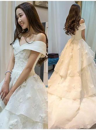 Elegant Court Train Ball-Gown Wedding Dresses Off-The-Shoulder Organza