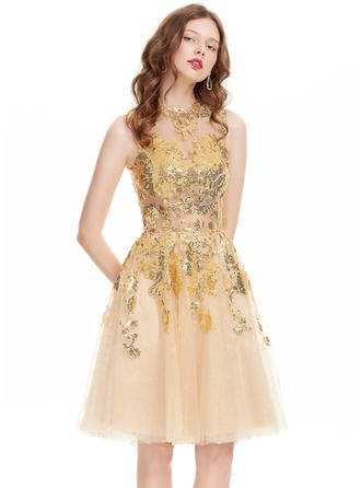A-Line/Princess Scoop Neck Tulle Sleeveless Knee-Length Sequins Homecoming Dresses