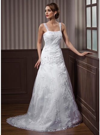 Lace A-Line/Princess Flattering Beading Wedding Dresses