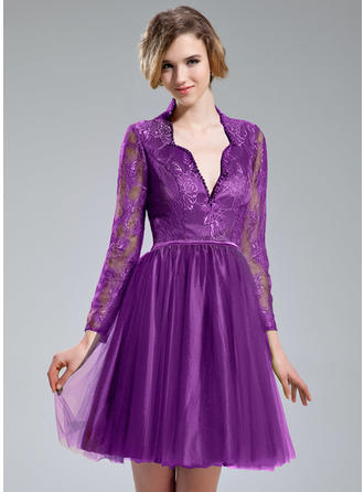 A-Line/Princess V-neck Tulle Lace Long Sleeves Knee-Length Beading Sequins Cocktail Dresses