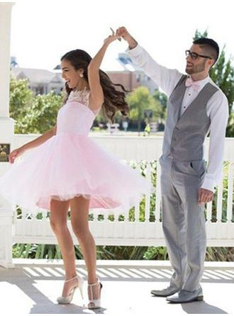 A-Line/Princess Scoop Neck Short/Mini Tulle Homecoming Dresses With Appliques Lace