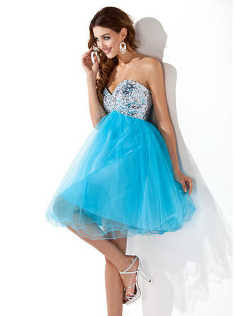 Empire Sweetheart Knee-Length Tulle Sequined Homecoming Dresses With Beading