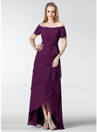 A-Line/Princess Chiffon Short Sleeves Off-the-Shoulder Asymmetrical Zipper Up Mother of the Bride Dresses