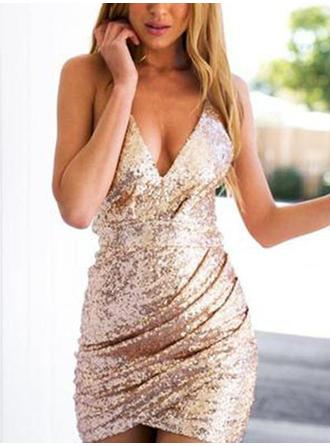Elegant Sequined Homecoming Dresses Sheath/Column Short/Mini V-neck Sleeveless