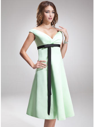 Satin Sleeveless Empire Bridesmaid Dresses Off-the-Shoulder Ruffle Sash Bow(s) Knee-Length