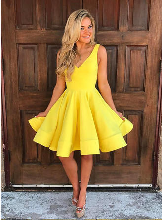 A-Line/Princess V-neck Sleeveless Short/Mini Knee-Length Ruffle Homecoming Dresses