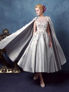 A-Line/Princess Scoop Neck Tea-Length Satin Prom Dress With Beading Flower(s)