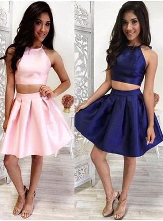A-Line/Princess Satin Cocktail Dresses Ruffle Halter Sleeveless Short/Mini